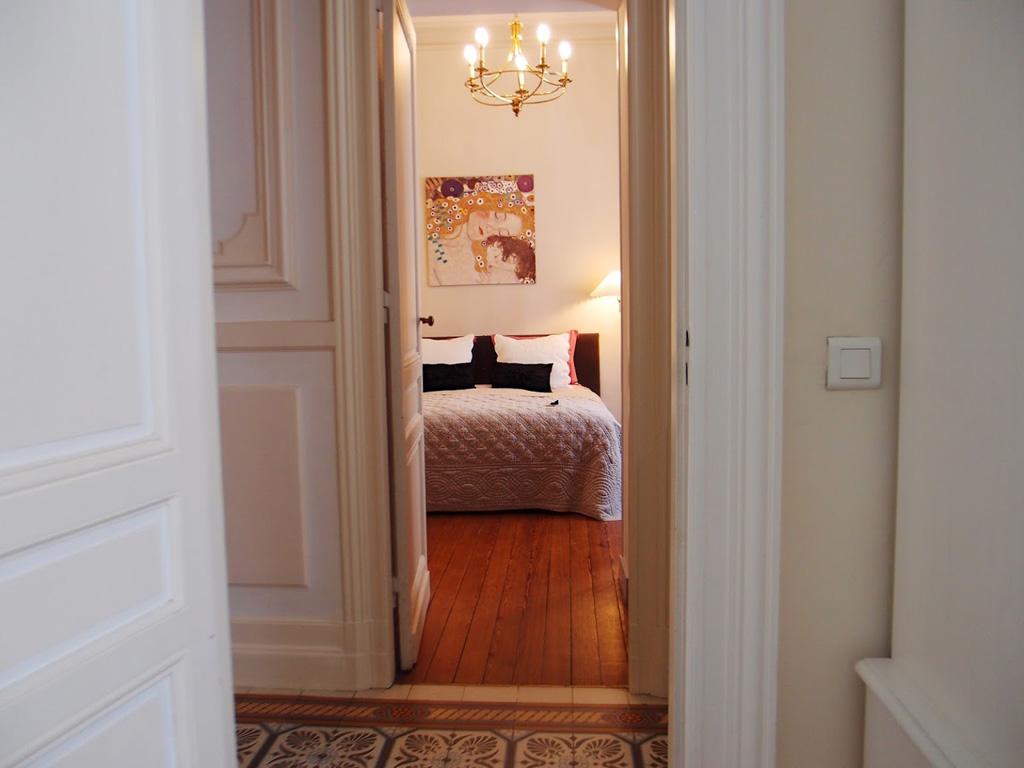 c 39 est une maison bleue chambres d 39 h tes bordeaux. Black Bedroom Furniture Sets. Home Design Ideas