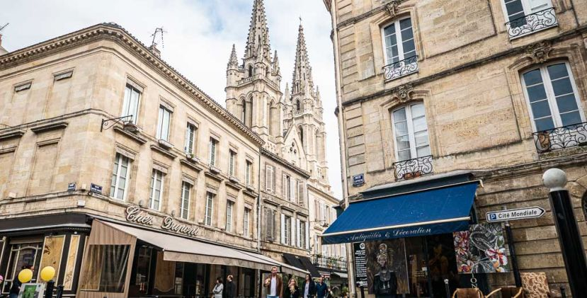 Guided tour in one of the most beautiful areas of Bordeaux: The Chartrons